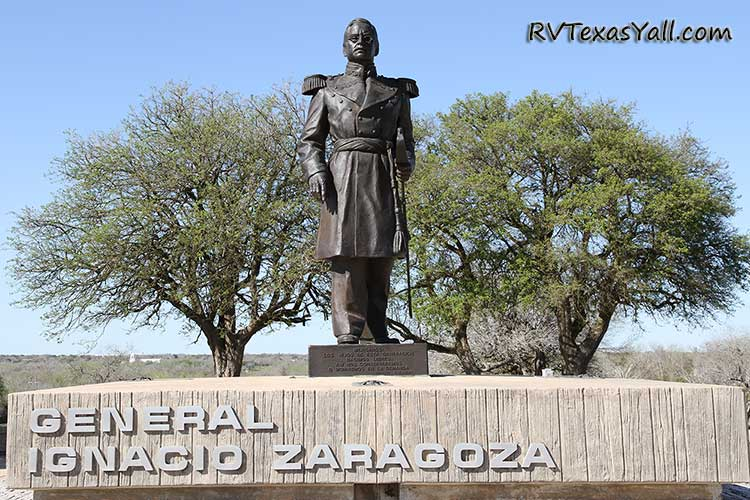 Statue of General Ignacio Zaragoza