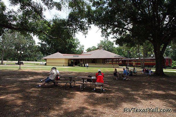 Palestine Depot picnic area