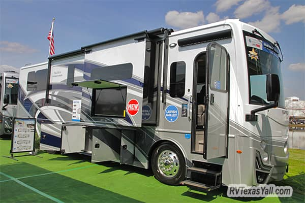 The All New Holiday Rambler Nautica 33TL