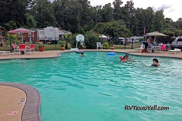 Rayford Crossing swimming pool